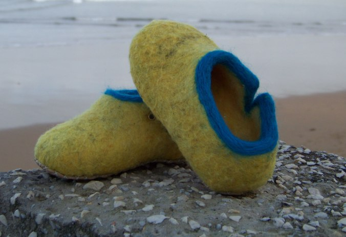 zapatos amarillo